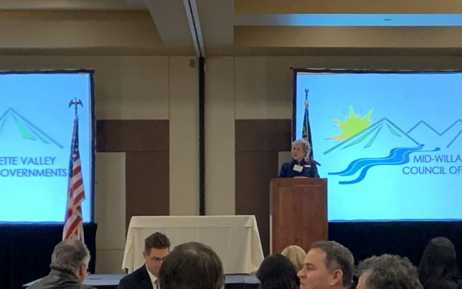 Keizer Mayor and COG Board Chair Cathy Clark opens the 2019 COG Annual Dinner